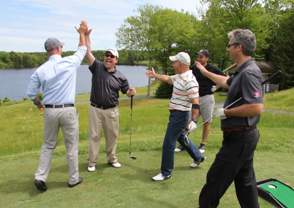 Hole-In-One-Celebration-1-600x425